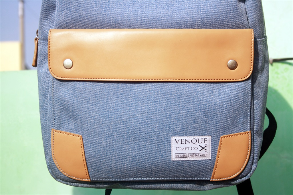 Chic and Classy: Venque Classic Denim Laptop Bag Quick Review