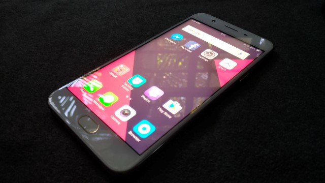 f1s front - OPPO F1s Review: A Stylish Performer