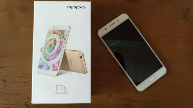 f1s pack - OPPO F1s Review: A Stylish Performer