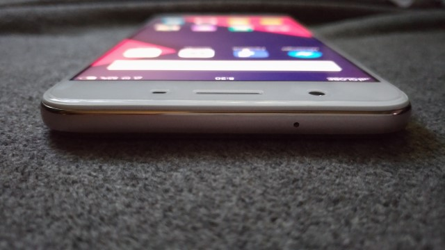 f1s top - OPPO F1s Review: A Stylish Performer