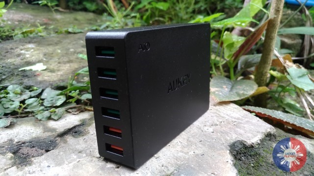 AUKEY 6-Port USB Charging Station Review: Compact and Convenient