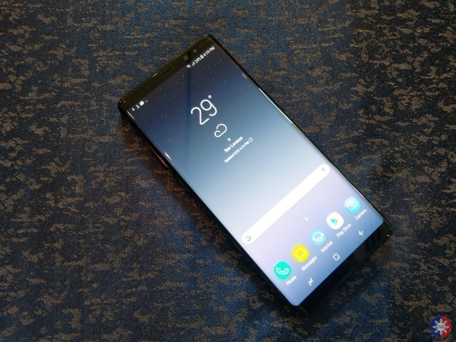 note8 fi1 Custom - Samsung Galaxy Note 8 First Impressions: The Return of the Phablet King