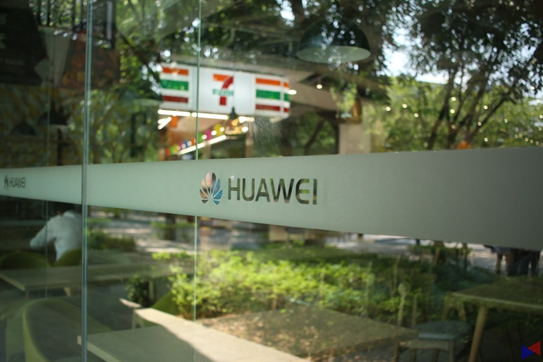Huawei HQ 17 - Huawei, a digital economy enabler that connects 1/3 of world's population