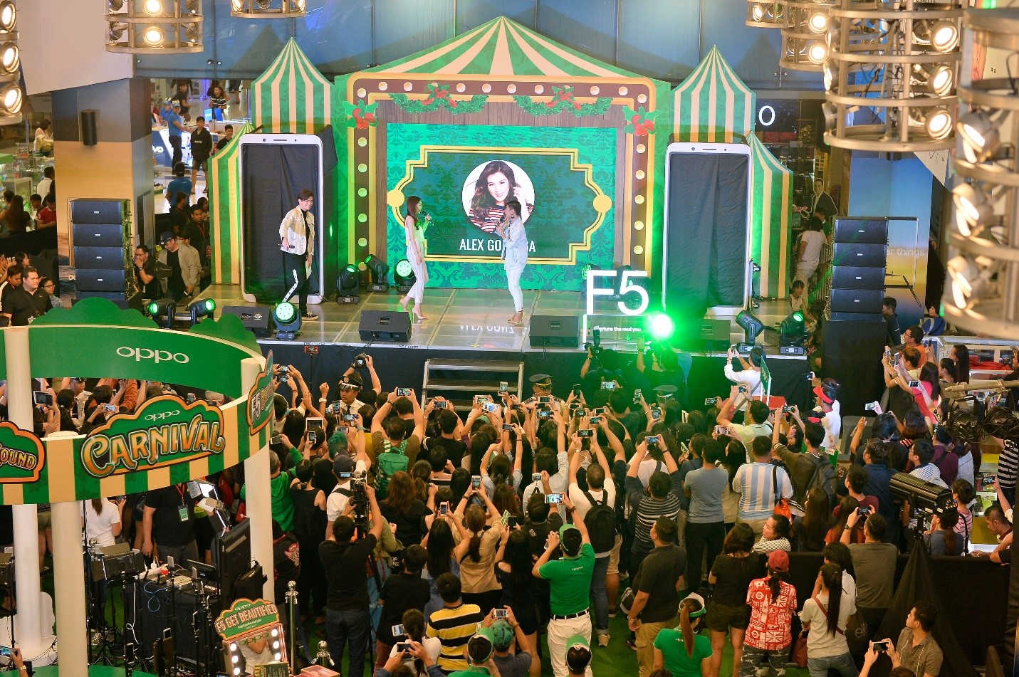 oppo roadshow 1 - OPPO Kicks off First Day of Sale for the F5 with a Carnival Roadshow!