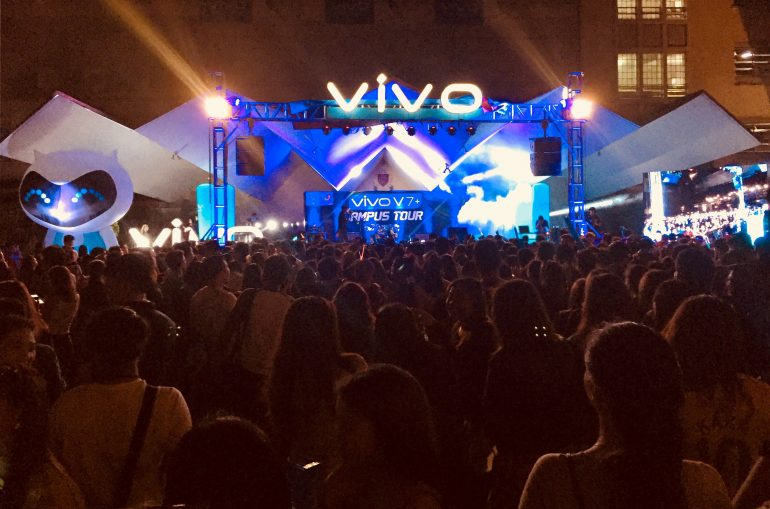 Vivo co-presents the UST Paskuhan 2017