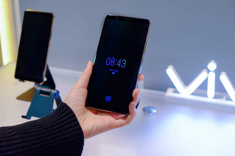 Vivo at CES 03 1 770x513 - Vivo's First Smartphone with In-Display Fingerprint Scanning is Now Ready for Mass Production