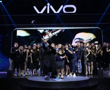 Vivo family V7launch 370x305 - A Lookback at Vivo's 2017 Successful Star-Studded Marketing Campaign
