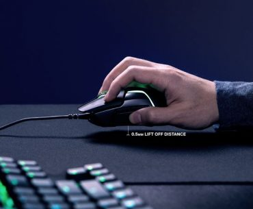 rival600 lowest lift off distance 370x305 - New SteelSeries Rival 600 Gaming Mouse Tracks Your Movements Mid-Air