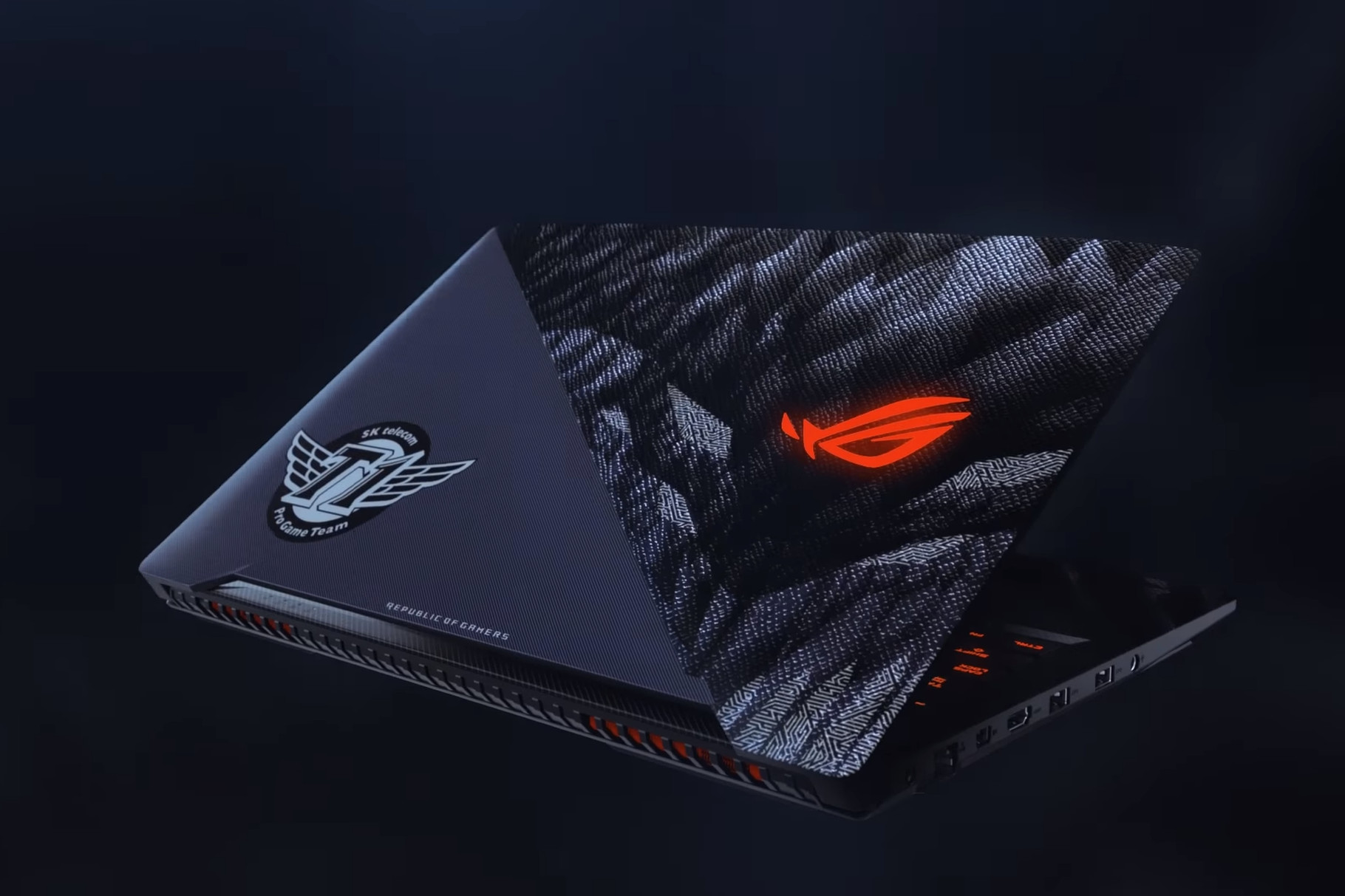 skt t1 laptop.0.png - Biggest team of League of Legend partners with ASUS