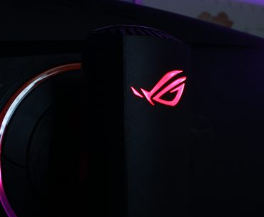 xg35vq cover2 370x305 - ASUS ROG Strix XG35VQ Curved Gaming Monitor Review: Bigger and Better