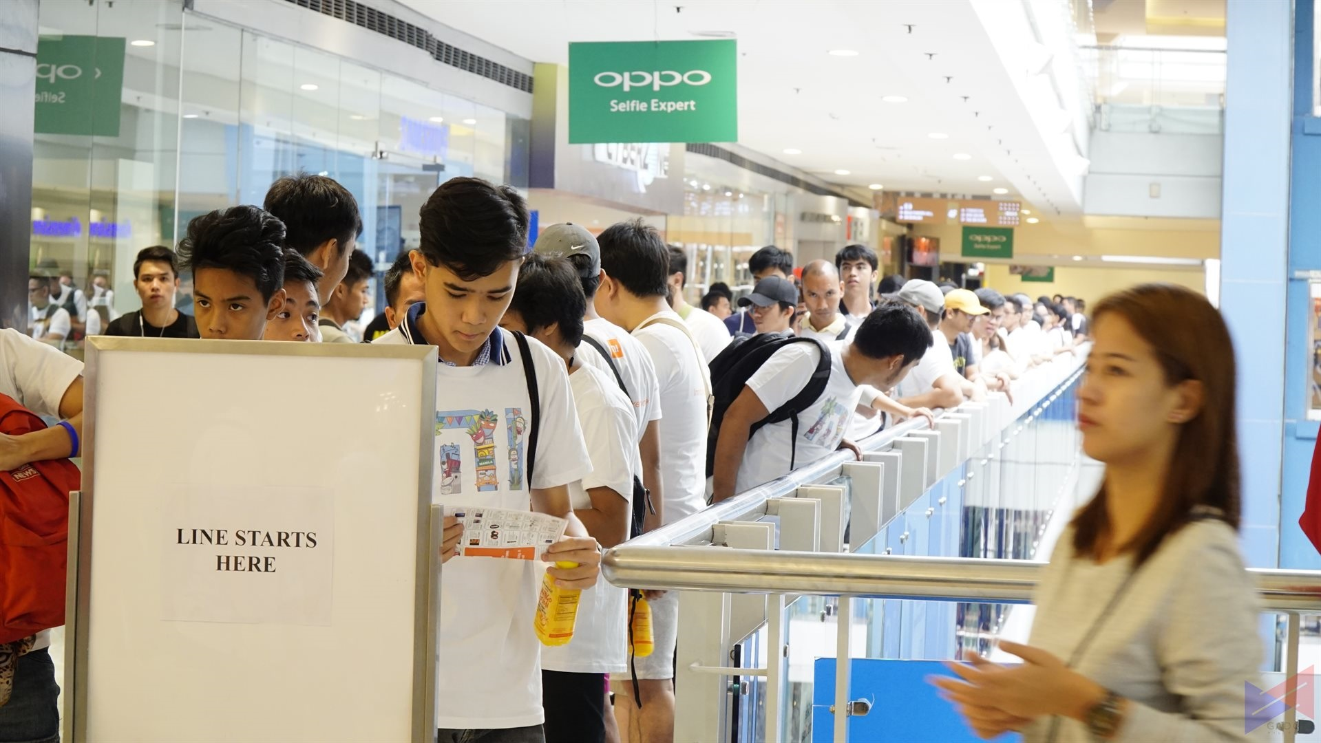 mistore megamall 301 - Xiaomi Opens its PH Flagship Store in SM Megamall!