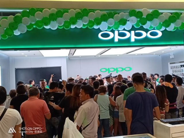 OPPO F7 Breaks Previous Sales Record, Over 37,000 Units Sold on Day One!