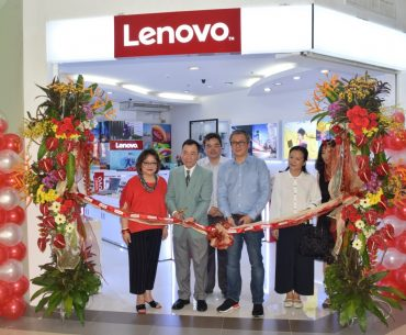 20th Lenovo store in PH 370x305 - Lenovo Opens its 20th Concept Store in PH!