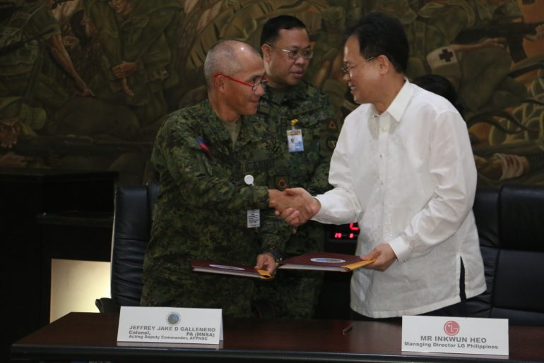 AFP photo 1 770x515 - LG Donates to the AFP in Celebration of National Heroes Day