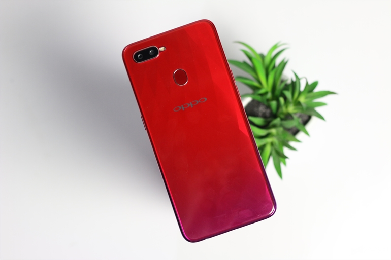 Honor Play vs OPPO F9 2 - Gaming Performance Benchmark Fight: Honor Play vs OPPO F9
