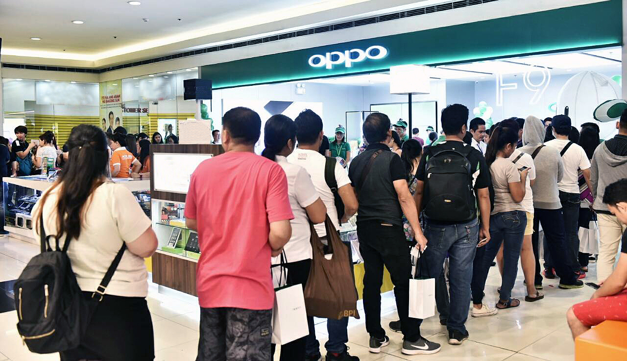Why are more Filipinos buying mid-range smartphones this year?