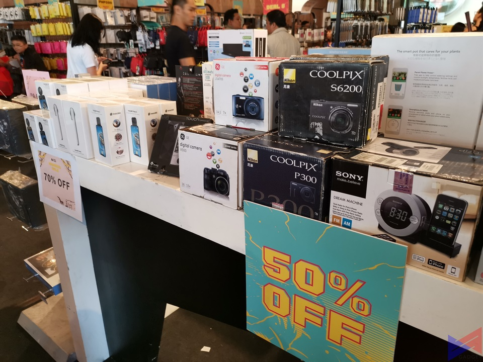 Get Up to 90% Off on Gadgets and Accessories at Digital Walker's Madness Sale!