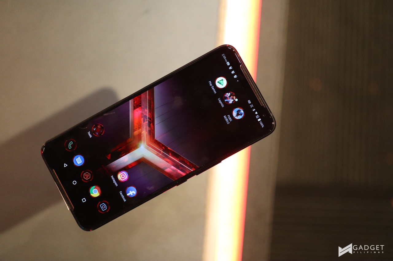 ASUS ROG Phone 2 is ASUS' first smartphone with in-display