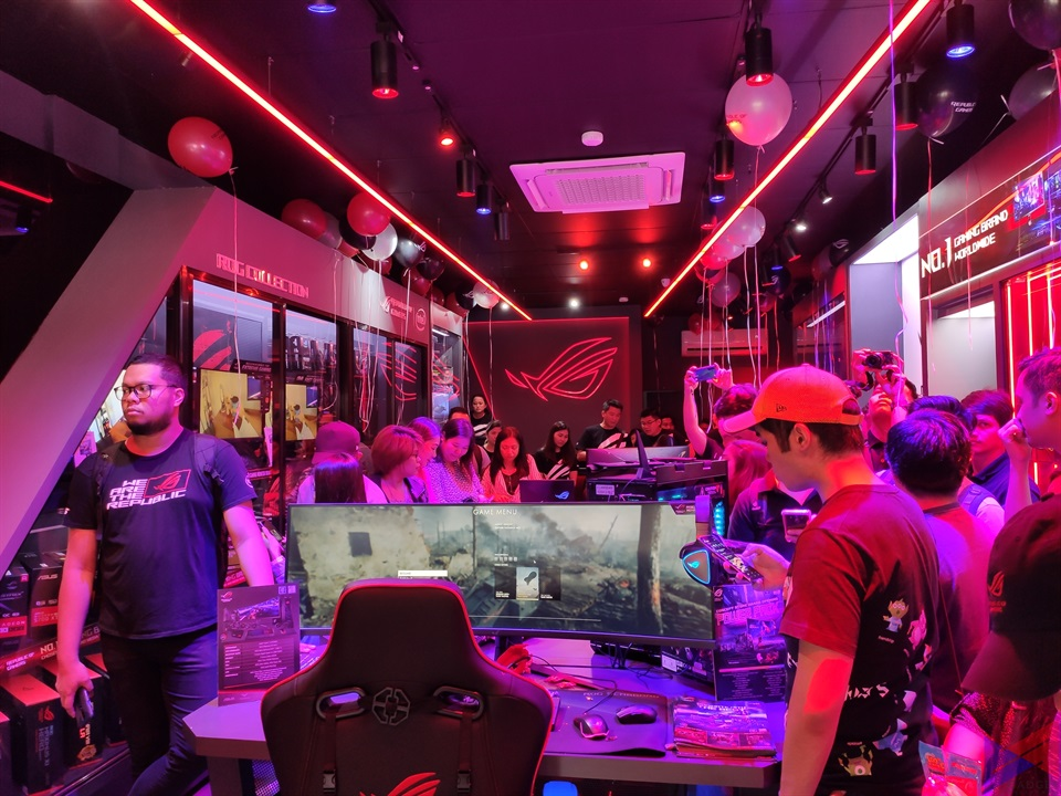 asus rog concept store gilmore, ASUS ROG Opens Gilmore Concept Store, Launches New Products in PH, Gadget Pilipinas, Gadget Pilipinas