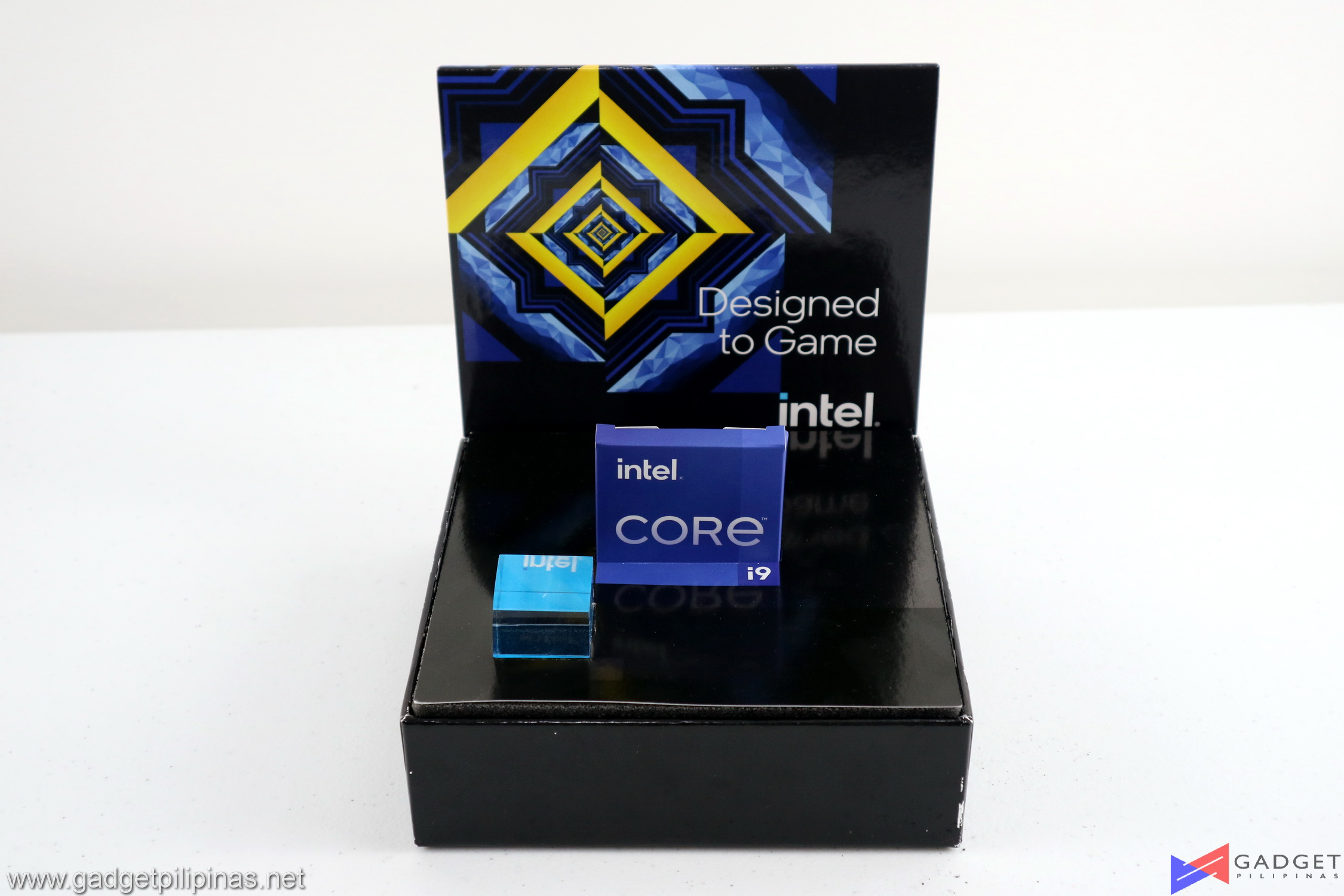 Intel Core i9 11900K Review Package